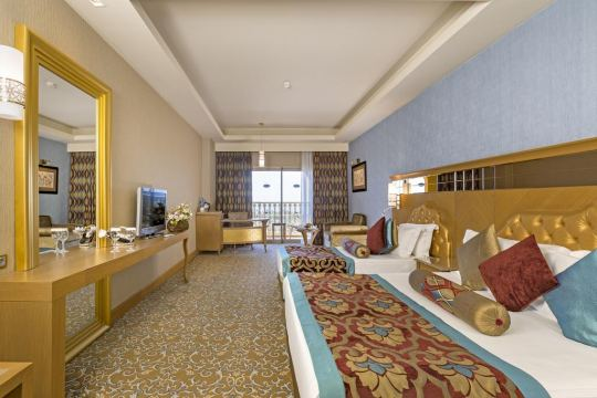 ROYAL HOLIDAY PALACE 5*