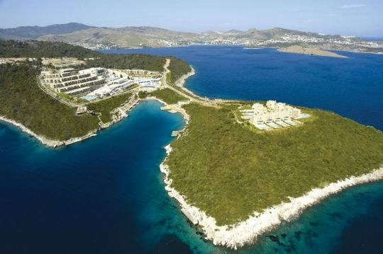 Почивка в HILTON BODRUM TURKBUKU RESORT & SPA 5*