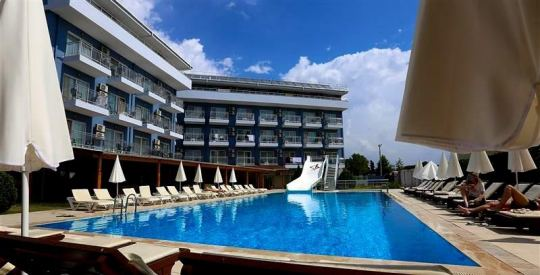 Почивка в MONNA ROZA BEACH RESORT 4*