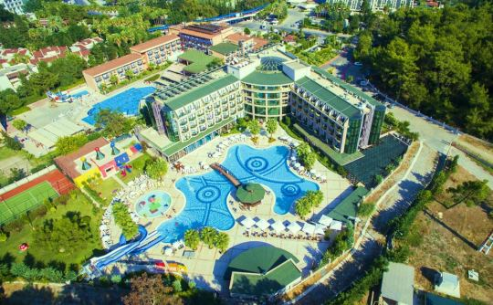 Почивка в ELDAR RESORT 4*